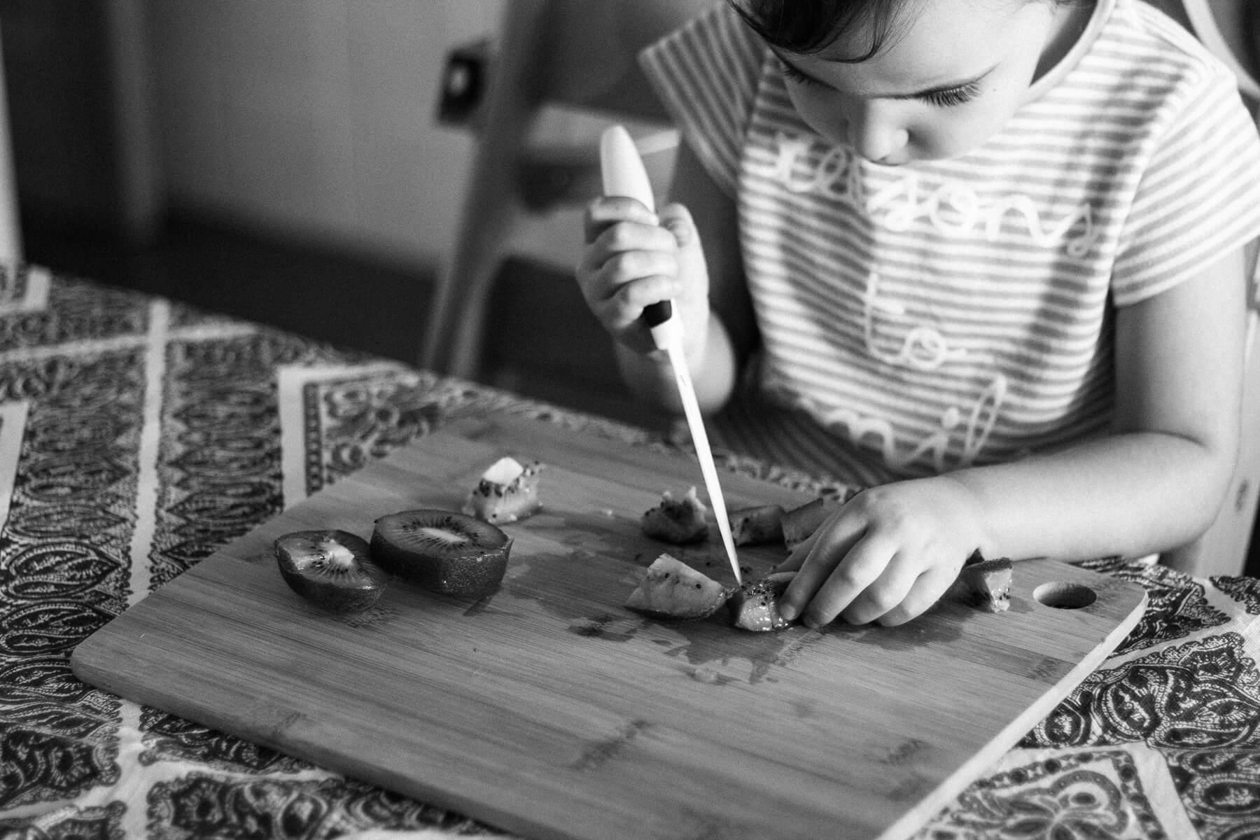 Cómo fomentar la autonomía de los niños en la cocina