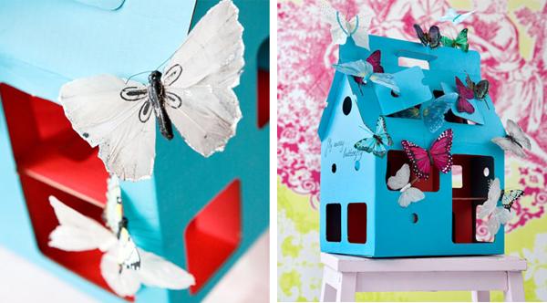 Casita de muñecas fabricada con cartón