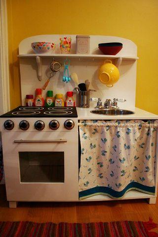 Cómo hacer una cocinita de juguete