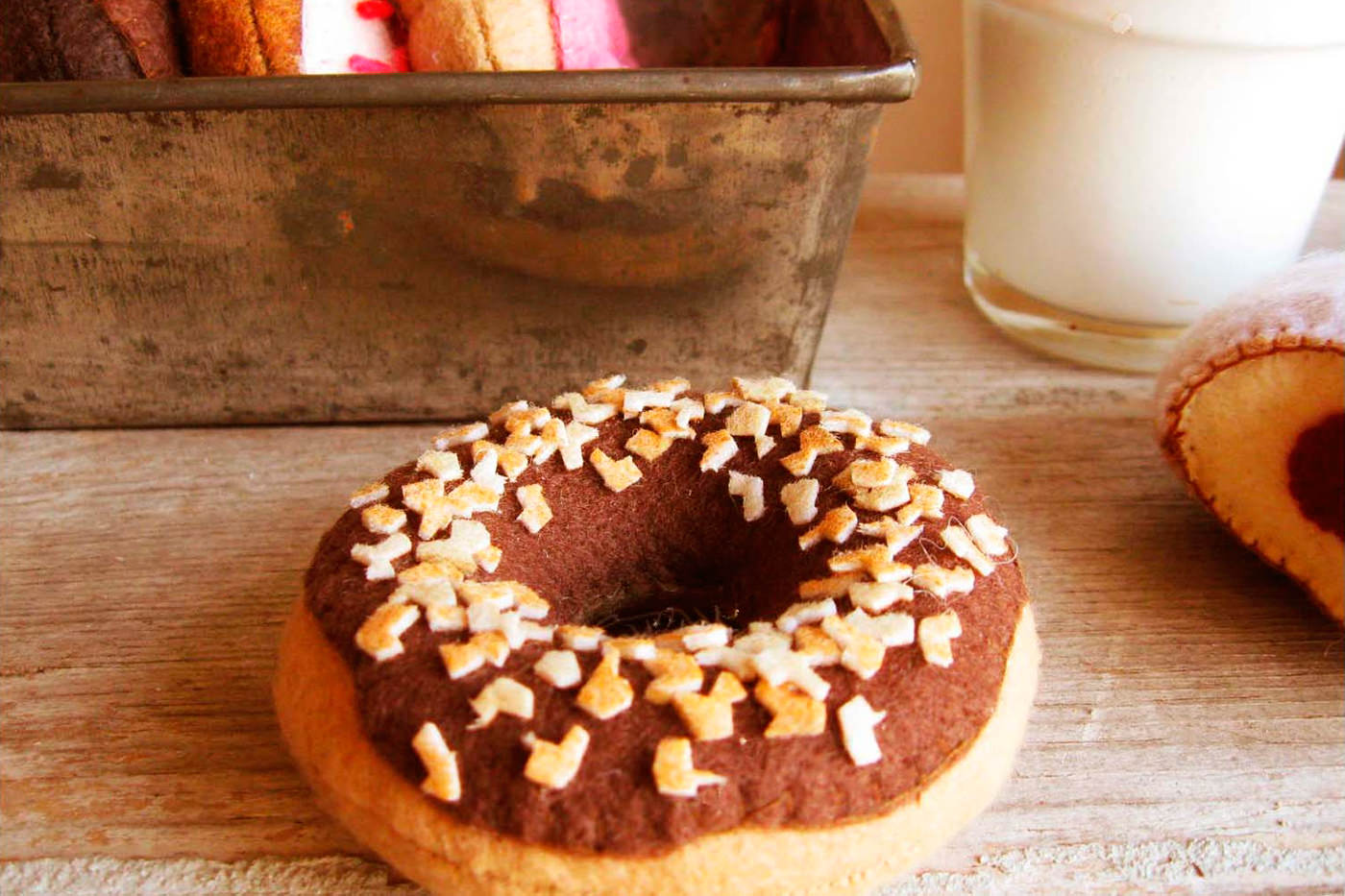 Comida de fieltro. Donuts, de milk fly