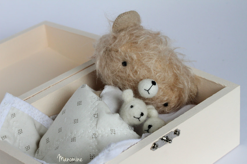 Manomine bear bed